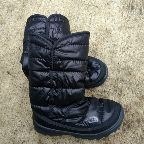 387cc35b6 The North Face Amore Girls Snow Boots